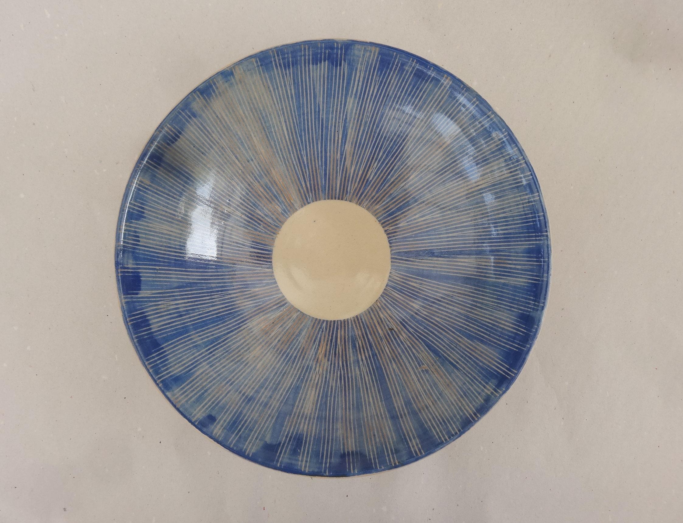 Tiefer Teller blau gekämmt G