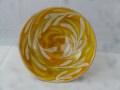 Schüssel mit Zweigen orangetöne