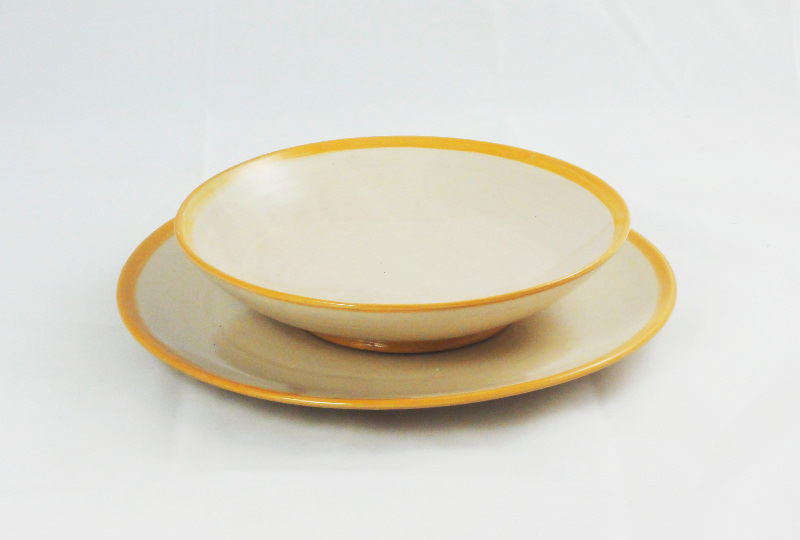 Essteller, 28 cm, Tiefer Teller 23,5 cm Rand einfach orange.