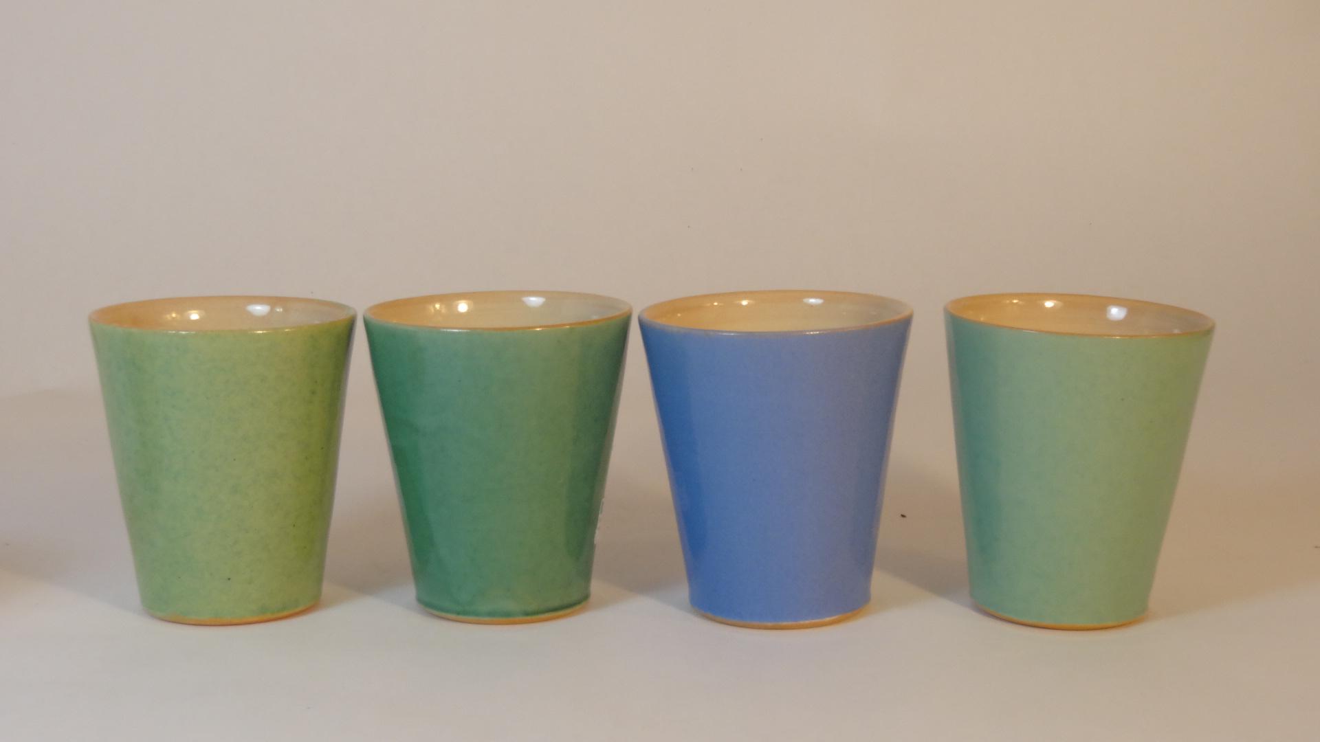 Becher-M, 0,2l, hellgrün,kupfergrün,krachblau, mint